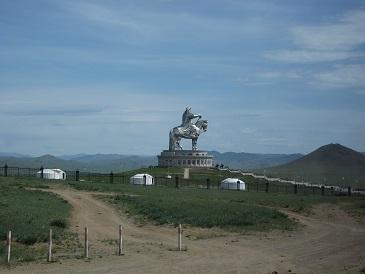 モンゴル-チンギス・ハーン像